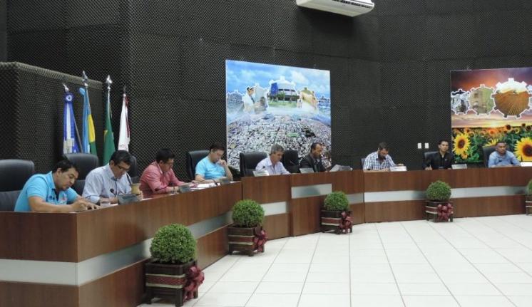 Vereadores se reúnem para penúltima sessão ordinária do ano