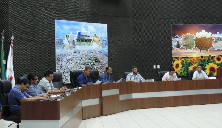 Vereadores realizam a segunda sessão ordinária do mês