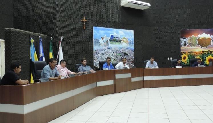 Câmara Municipal realiza a última sessão ordinária do mês